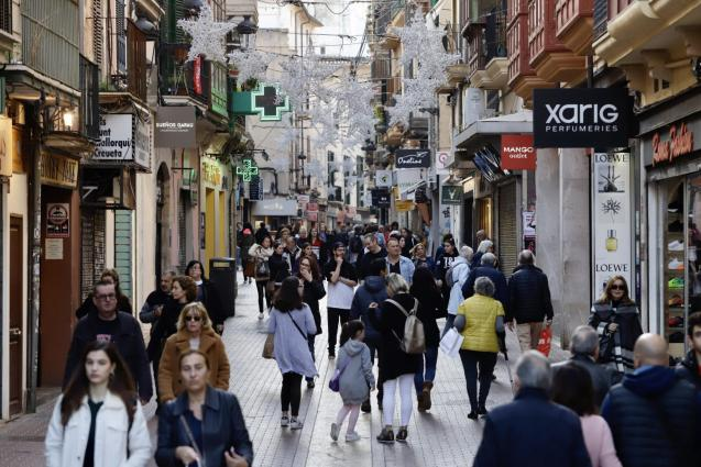 Shoppers looking for bargains in Palma, Majorca