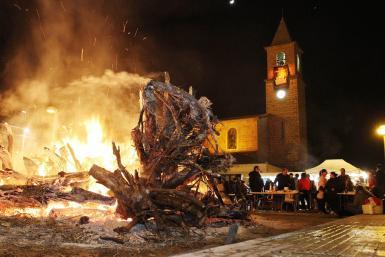 Foguerons (bonfires) are lit for the Sant Antoni fiestas.