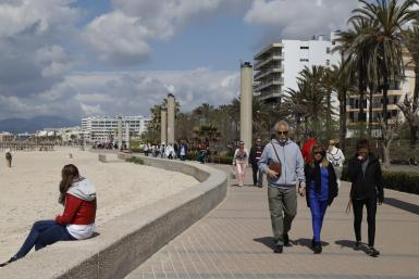 Tourists in Majorca duirng the winter.