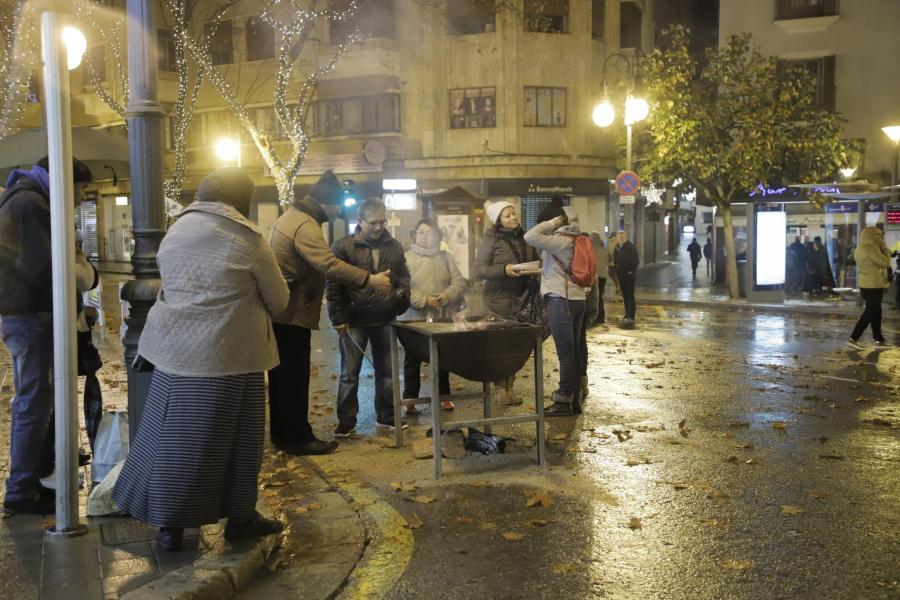 Barbecues in the streets of Palma