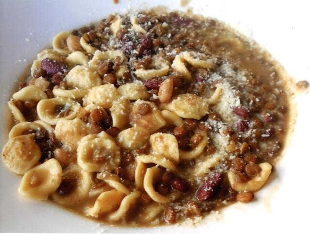 The Abruzzo 'le vertu' beans and pasta dish