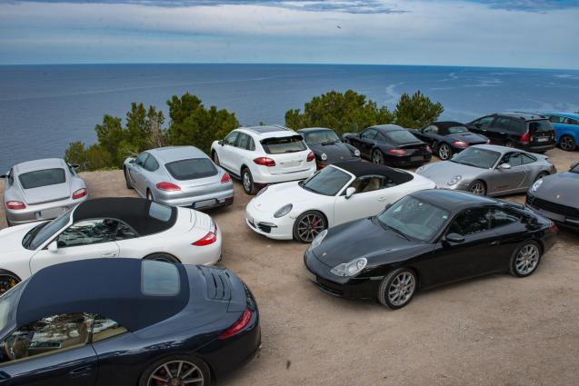 Do you call it a herd, congregation of gaggle of Porshes?
