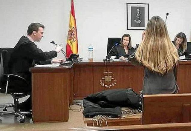 The defendant, on the day of the trial in a criminal court in Palma.