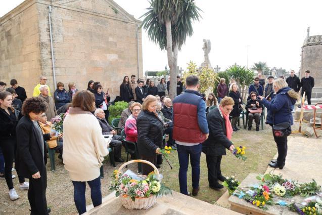 In memory of Maria Antònia Salvà