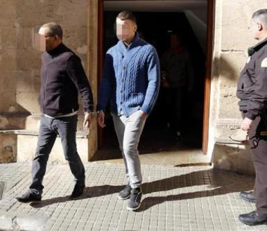 The accused leaving the courthouse in Palma.