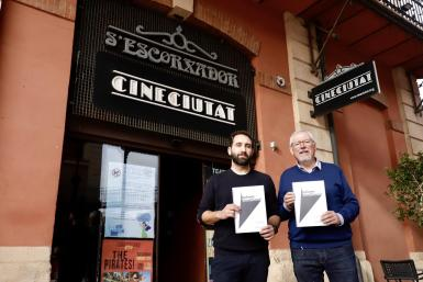 CineCiutat presents a campaign to save the cinema which often plays films in their original language.