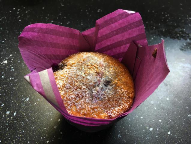 Never-fail blueberry Majorcan muffins