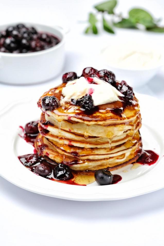 American-Style Blueberry & Vanilla Pancakes