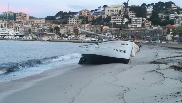 A llaut on the beach of Puerto Soller