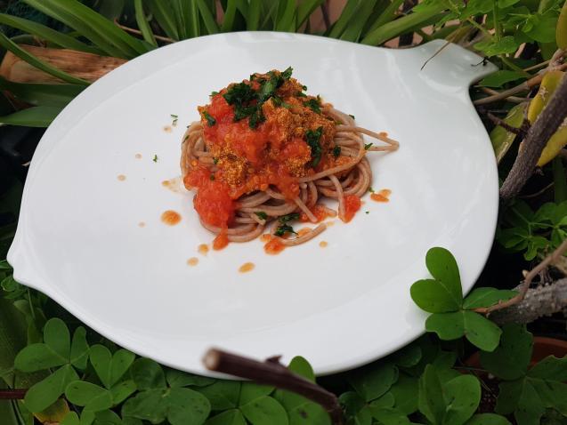 Spaghetti with hake roe (huevas de merluza)