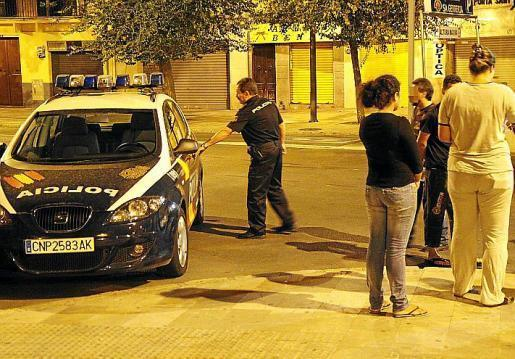 The defendants reportedly contacted the woman in the Porta de Sant Antoni in Palma.