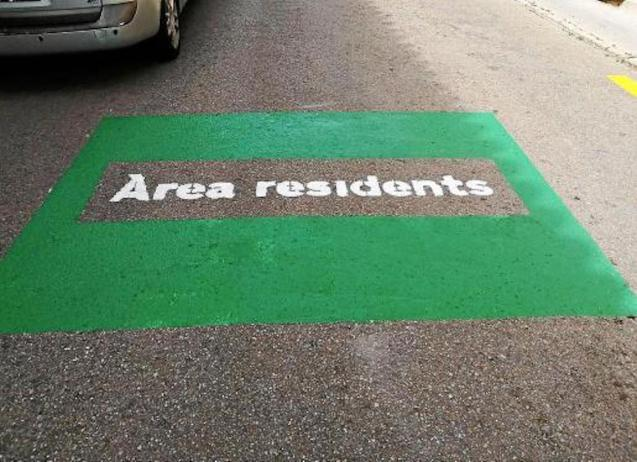 Residents only parking in Arta old town.