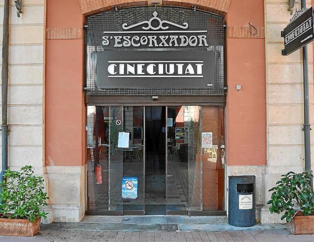Cinemas closing because of coronavirus.
