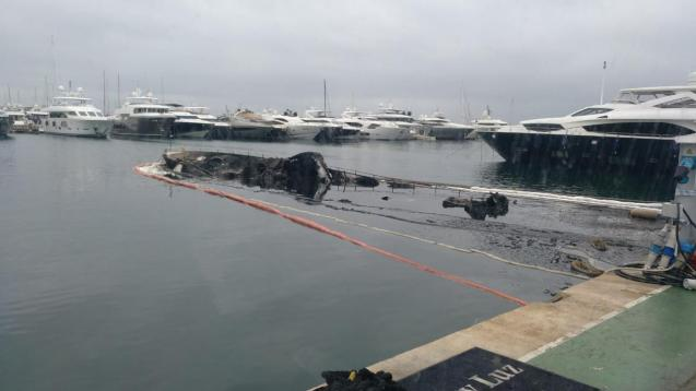 Puerto Portals yacht destroyed by fire.