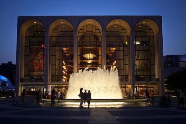 Metropolitan Opera House, New York.