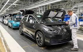 VW suspend manufacturing at Spanish plants