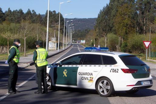 Police tighten coronavirus lockdown.