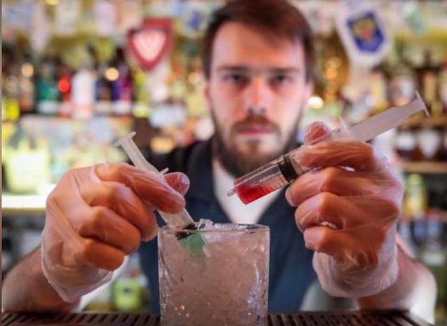 Barman mixes 'Coronavirus' cocktail in Moscow Bar.