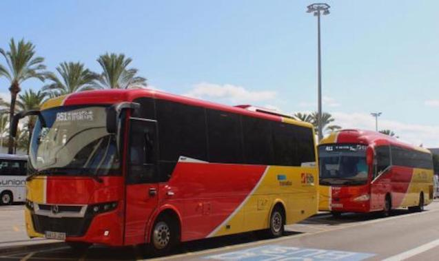Drastic reduction in the number of trains and buses in Majorca.