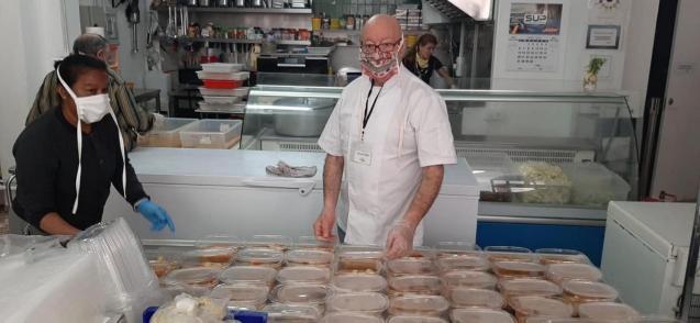 Associació Tardor working hard to provide 'takeaway' food during lockdown