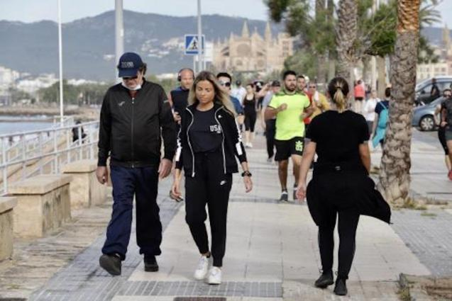 Adults over 14 out walking in Palma.
