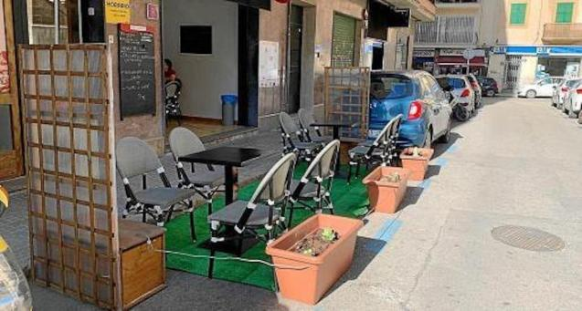 Restaurants take over parking spaces in Palma.