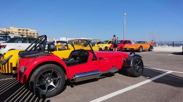 Calanova hosted some bright colours last week. Lotus 7 recreation, Optima and Corvette with Fiat Abarth contingent.