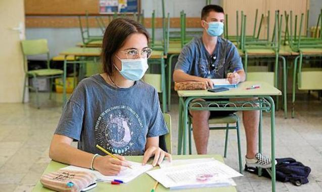 Parents demand face-to-face classes resume in September.