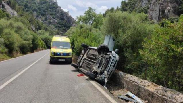 Bad car crash on Palma-Valldemossa Road.