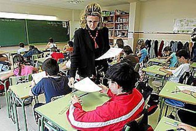 1,000 extra teachers needed for next term.