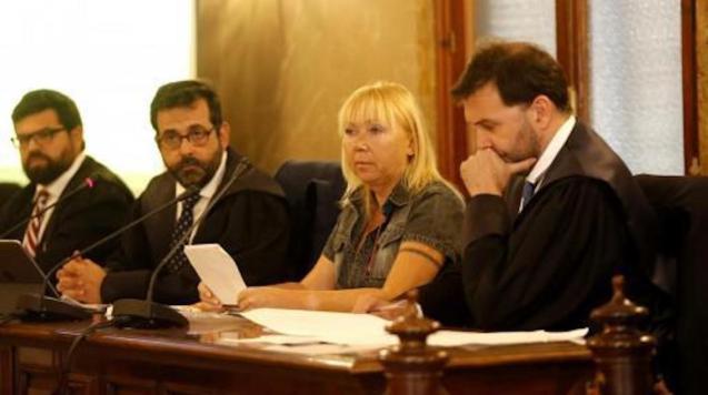 Prosecutor, Gonzalo Sans, Lawyer, Tomeu Salas, Defendant, Svetlana Batukova and Lawyer Miguel Mir, June 2019 in the Palma Court.