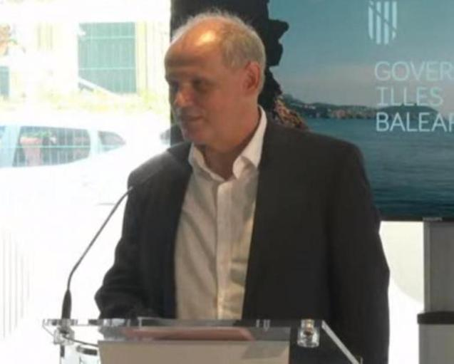 Sebastian Ebel, TUI CEO at Palma Airport.