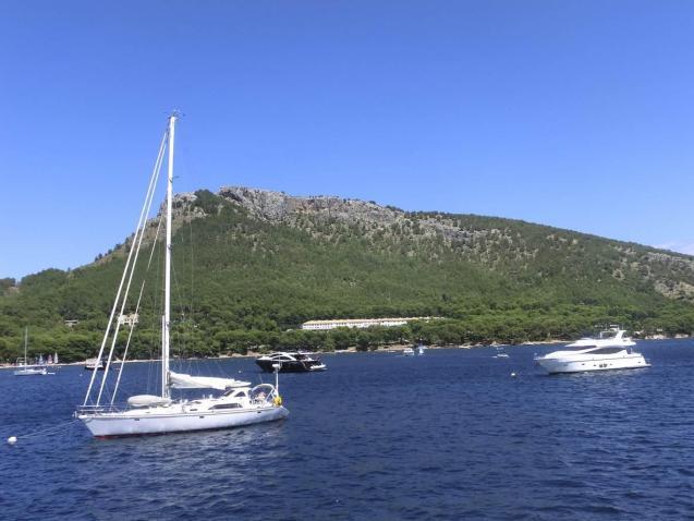 Pleasure boat registrations and rentals plummet.