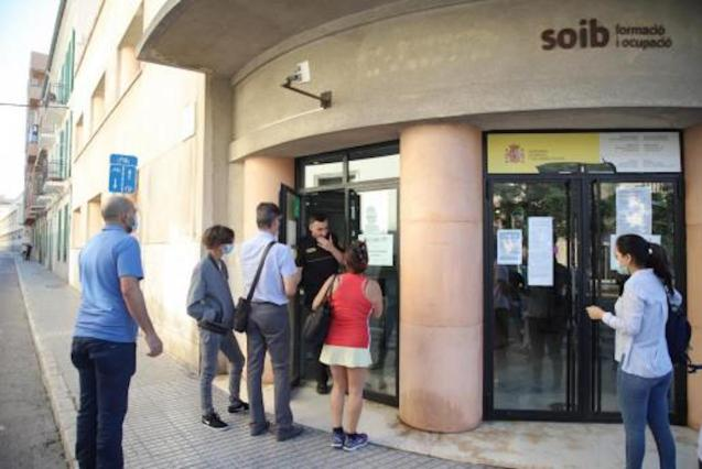 30,610 people were unemployed in Palma in June.