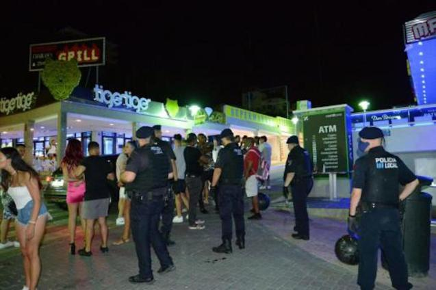 Tourists partying without masks in Punta Ballena.