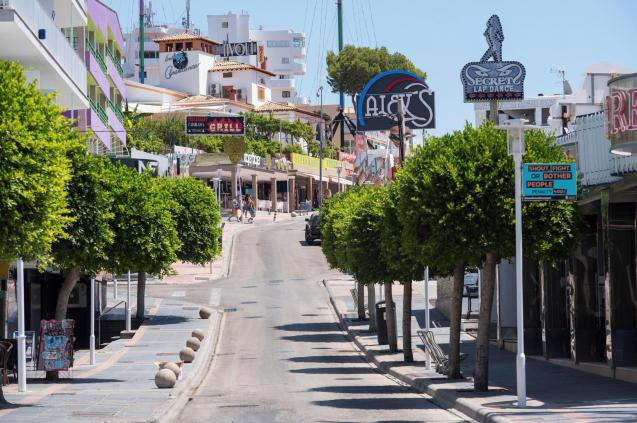 Punta Ballena strip in Magalluf closes its bars