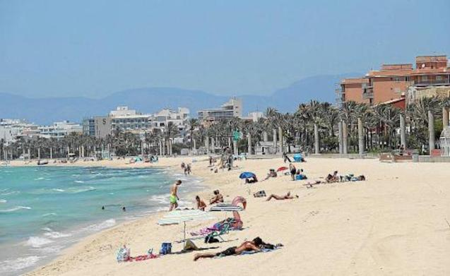 Playa de Palma Beach Concessionaire refusing to put out sunbeds & umbrellas.