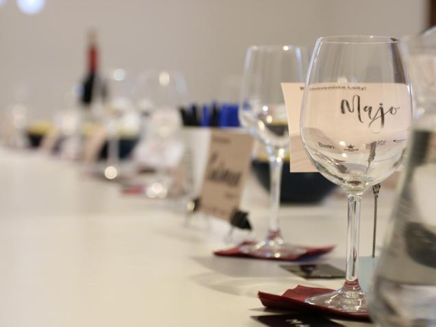 PALMA. MUJER. MUJERES Y VINO. El movimiento Ladies Wine & Design, nacido en New York