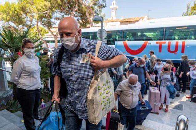 German tourists arriving in Palma as part of Pilot Plan.