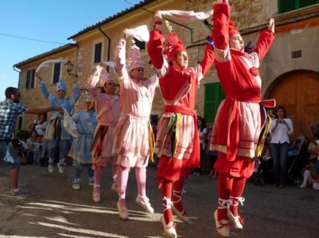 Majorcan dancers in Alaró.