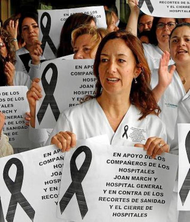 Health Professionals demonstrating over pay & conditions in 2012.