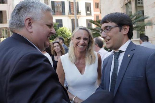 FEBT President, Rafael Roig, FEHM President, Maria Frontera & Labour & Tourism Minister, Iago Negueruela