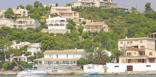 Holiday homes rented long-term.