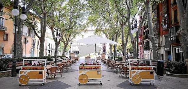 Bars & Restaurants with too many tables and chairs denounced.