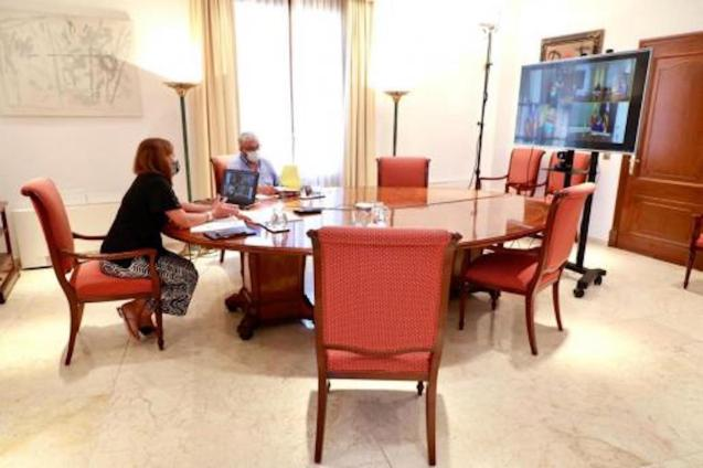 Francina Armengol, President of the Government held a videoconference on Friday.
