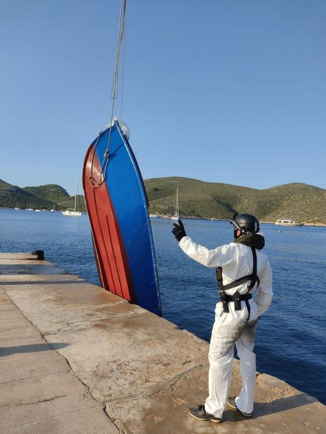 Migrant boat that landed in Conillera near Mallorca.