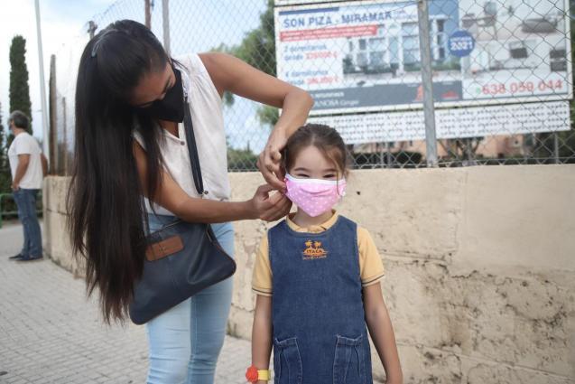 Mallorca child with mask