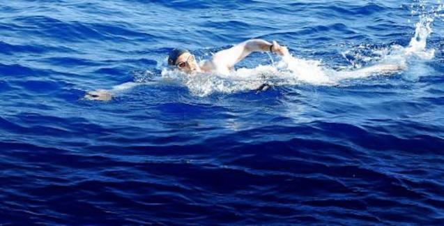 Boris Nowalski swimming from Minorca-Majorca.