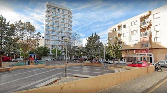 BlueSea Hotel, School & Park in Plaza Estació, s'Arenal.
