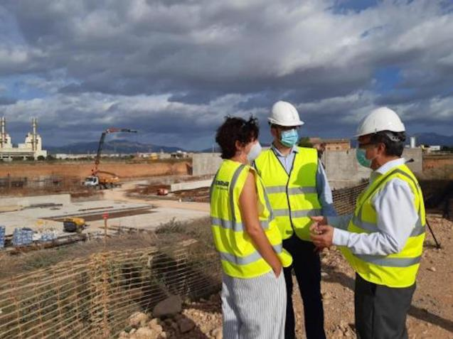 Palma Mayor José Hila, General Director of Water Resources, Joan Maria Garau, and and Emaya President Ramon Perpinyà visited the site on Friday.